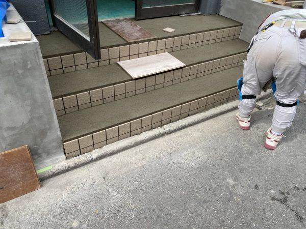 京都市南区Oマンション エントランス階段改修工事