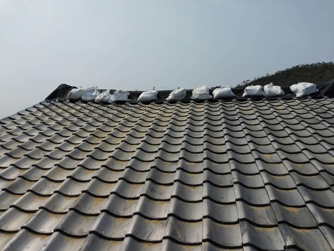 京都市北区T美術 瓦屋根仮修繕シート防水工事のサムネイル
