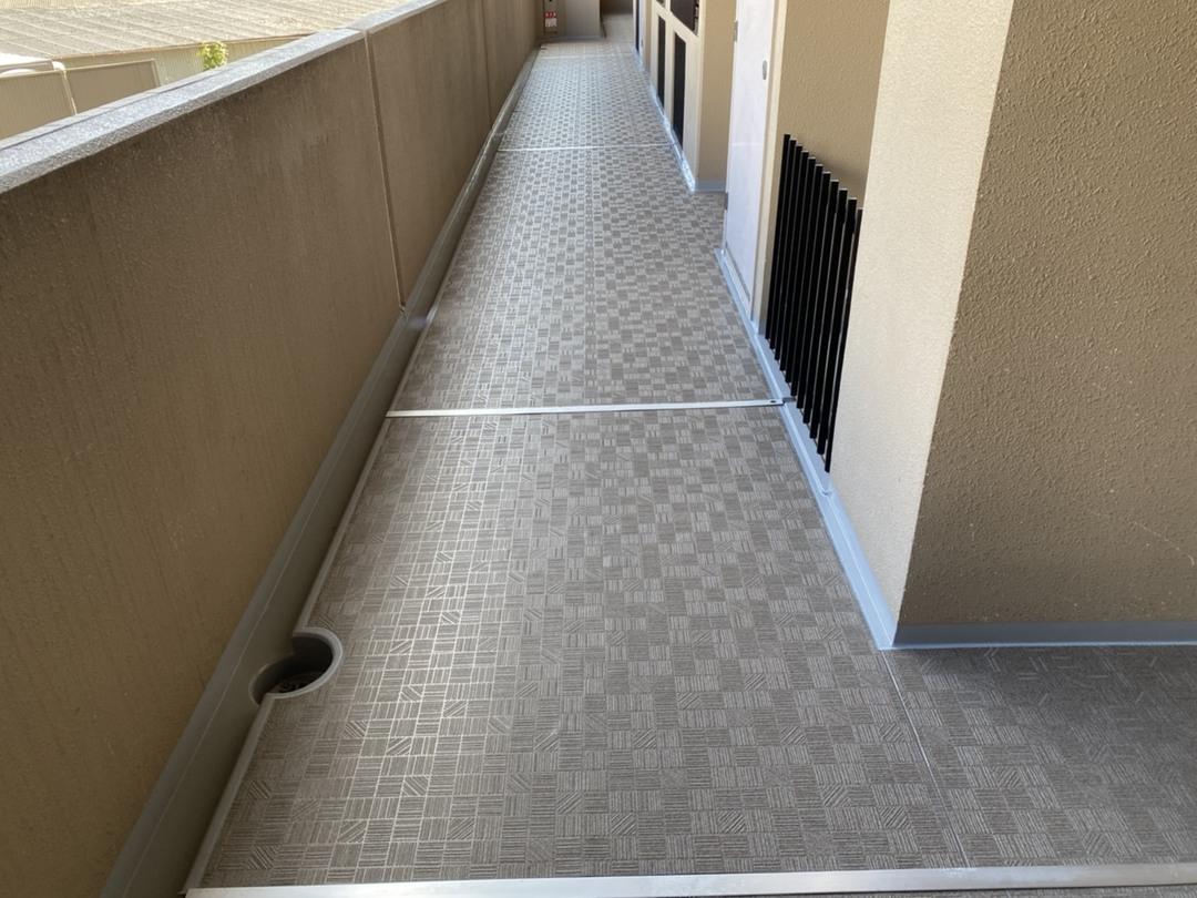 京都市右京区 Gマンション 廊下長尺シート工事のサムネイル