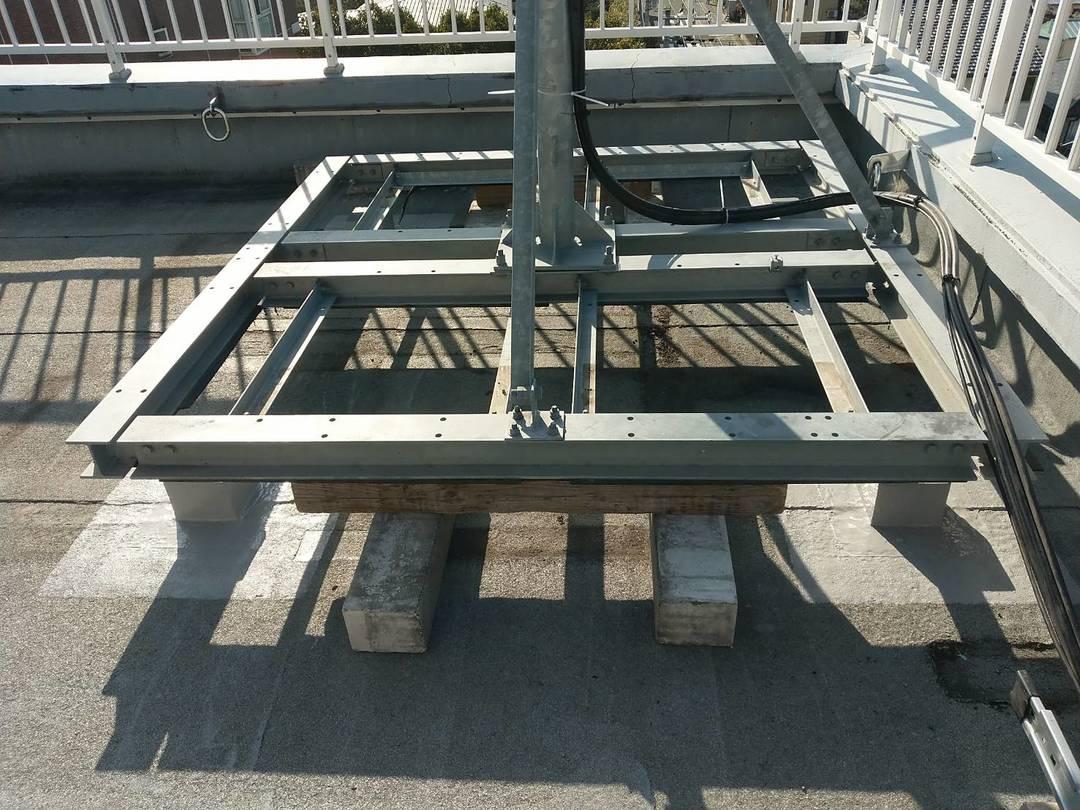 京都市右京区 Kビル 屋上架台ウレタン防水工事のサムネイル