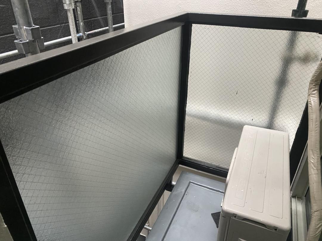 京都市上京区 Cマンション バルコニー手摺り枠塗り替え工事のサムネイル